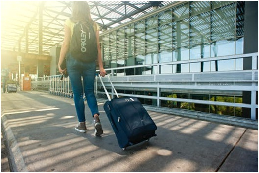 women travel